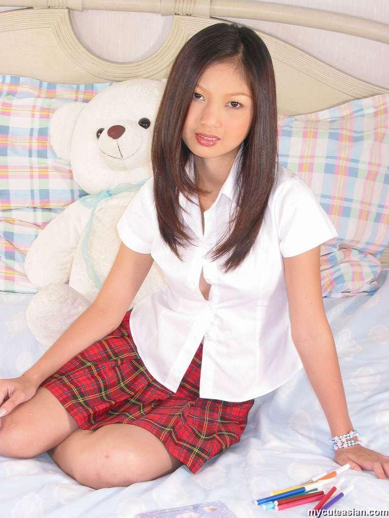 Asian school girl dildo - Very HOT Porno Free image.